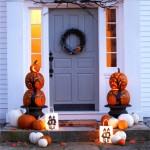 Entradas de casas decoradas para la Noche de Halloween o Noche de Brujas