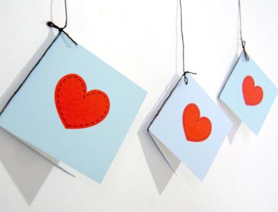 tarjeta San valentin.jpgsencilla con corazones