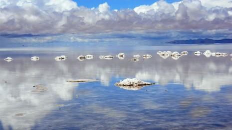 El salar de Uyuni, el más grande del mundo, ubicado en Bolivia.