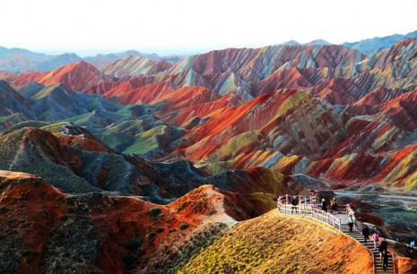 Las montañas del Parque Geológico Zhangye Danxia, en la provincia de Gansu al norte de China,